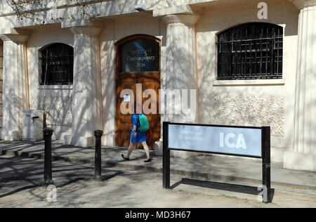 London, UK. 18th April 2018. A woman walks past the entrance to the Institute of Contemporary Art (ICA) on The Mall in central London on 18 April 2018 Credit: Dominic Dudley/Alamy Live News - Stock Photo