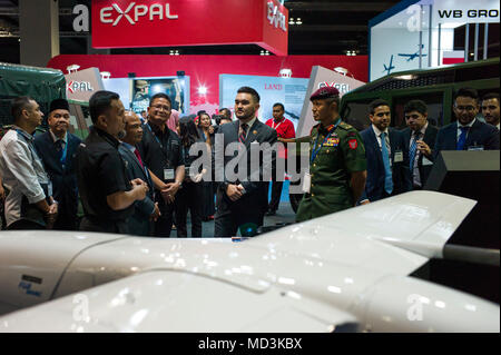 Kuala Lumpur, Malaysia on April 18, 2018. Tengku Amir Shah(27, C), the current Crown Prince of the Malaysian state of Selangor is pictured during the 16th Defence Services Asia (DSA) 2018 exhibition at MITEC(Malaysia International Trade & Exhibition Center) in Kuala Lumpur, Malaysia on April 18, 2018.  Credit: Chris JUNG/Alamy Live News - Stock Photo