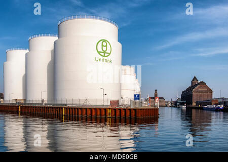 Berlin-Moabit,Westhafen,West Harbour,UNITANK oil tanks brick adninistration building with tower & old brick Granary now a library. - Stock Photo