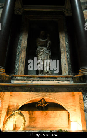The tomb of Raphael, tomb of Maria Bibbiena and Madonna by Lorenzetto in Pantheon or Basilica collegiata di Santa Maria ad Martyres (Basilica of St. M - Stock Photo