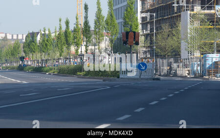 Berlin, Germany. 20th Apr, 2018. 20 April 2018, Germany, Berlin: The Heidestrasse is deserted due to the ongoing defusing of a nearby WWII bomb. Photo: Britta Pedersen/dpa Credit: dpa picture alliance/Alamy Live News - Stock Photo