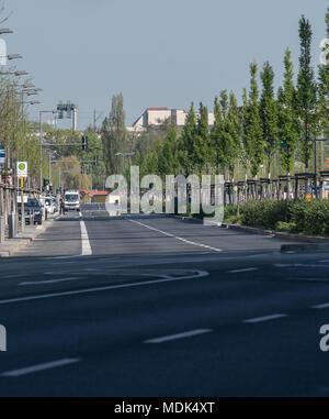 Berlin, Germany. 20th Apr, 2018. 20 April 2018, Germany, Berlin: The Heidestrasse is deserted due to an ongoing defusing of a nearby WWII bomb. Photo: Britta Pedersen/dpa Credit: dpa picture alliance/Alamy Live News - Stock Photo