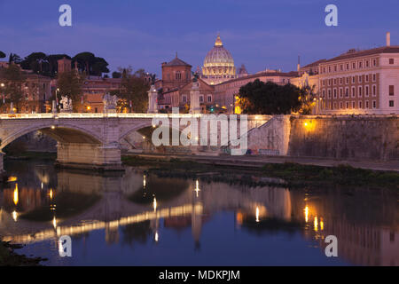 View over the Tiber to St. Peter's Basilica at dusk, Rome, Lazio, Italy - Stock Photo