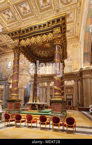 Interior view, altar, Santa Maria Maggiore, UNESCO World Heritage, Rome, Lazio, Italy - Stock Photo