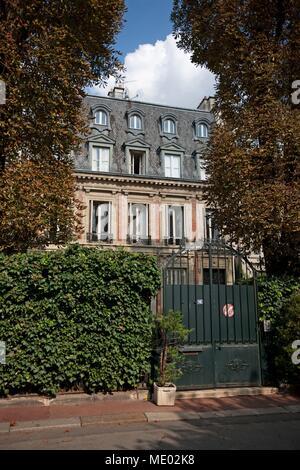Paris,16 square de l avenue Foch, Marcel Pagnol lived here, - Stock Photo
