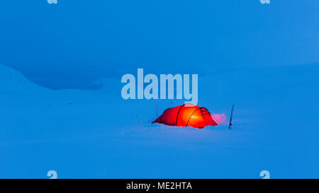 Tent in the snow, Kungsleden or king's trail, Province of Lapland, Sweden, Scandinavia - Stock Photo