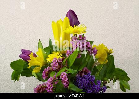 Osterstrauß  - Blumenstrauss - Stock Photo