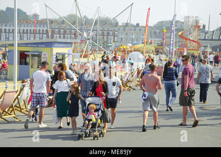 Weymouth, Dorset. 21st April 2018. Families flock to sunny Weymouth on  another hot and summer-like day for the Dorset resort Credit: stuart fretwell/Alamy Live News - Stock Photo