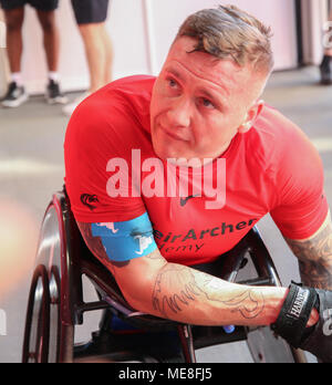 London UK 22 April 2018 David Weir winner of this year Virgin Money London Marathon wheelchair race talking to the press after the race @Paul Quezada-Neiman/Alamy Live News - Stock Photo