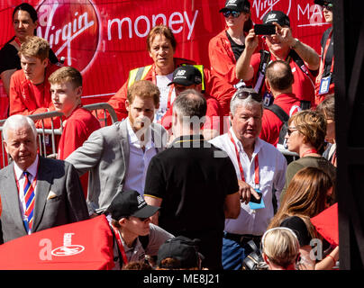 London, UK, 22nd April 2018 London, UK, Marathon, HRH Prince Harry at the London, UK, Marathon Credit: Ian Davidson/Alamy Live News - Stock Photo