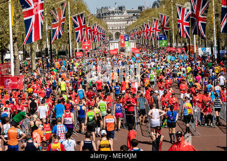 London 22nd April 2018, The London Marathon, a view down the Mall as runners complete the race Credit Ian  Davidson/Alamy Live News - Stock Photo