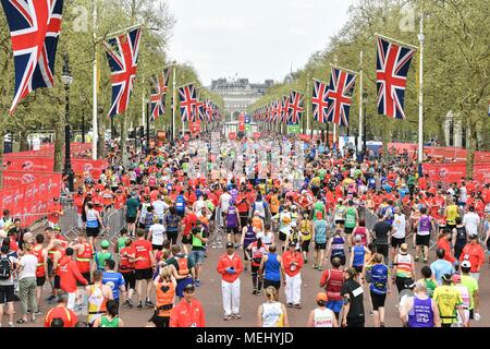 London, UK, 22 April 2018: Mass Race runners approach the finish at The Mall during the 2018 Virgin Money London Marathon on Sunday, 22 April 2018. London, England. Credit: Taka G Wu - Stock Photo