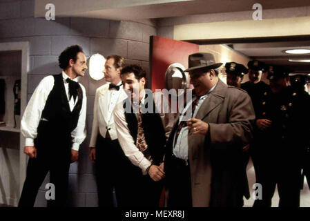 Radioland Murders - Wahnsinn auf Sendung, USA 1994 Regie: Mel Smith Darsteller: Brian Benben, Mary Stuart Masterson, Ned Beatty - Stock Photo