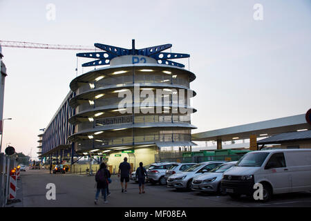 passengers in park station central railway station johannesburg stock photo 69251819 alamy. Black Bedroom Furniture Sets. Home Design Ideas