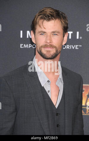 Los Angeles, California, USA. 23rd Apr, 2018. April 23rd 2018 - Los Angeles, California USA - Actor CHRIS HEMSWORTH at the World Premiere of Marvel Studios ''Avengers Infinity War'' held at the El Capitan Theater, Hollywood, Los Angeles. Credit: Paul Fenton/ZUMA Wire/Alamy Live News - Stock Photo