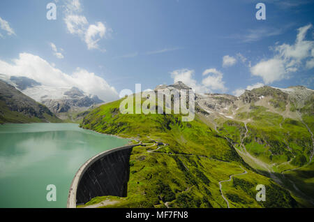 Austria, Kaprun, Mooserboden dam with Drossensperre dam wall - Stock Photo