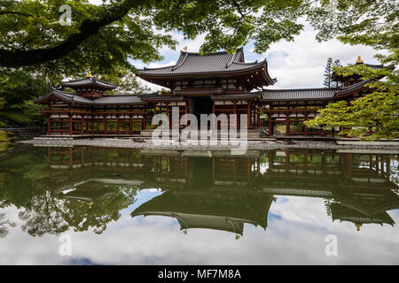 Byodo-in is a Buddhist temple in the city of Uji Kyoto prefecture, a National Treasure and a World Heritage Site.  Its outline is featured on the ¥10  - Stock Photo