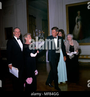 KN-C21297                              29 April 1962  Dinner in honor of Nobel Prize Winners, 8:00PM.  Please credit 'Robert Knudsen. White House Photographs. John F. Kennedy Presidential Library and Museum, Boston' - Stock Photo
