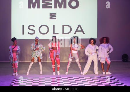 Sao Paulo, Brazil. 24th Apr, 2018. Performers present creations of Memo e Isolda during the Sao Paulo Fashion Week in Sao Paulo, Brazil, on April 24, 2018. Credit: Rahel Patrasso/Xinhua/Alamy Live News - Stock Photo
