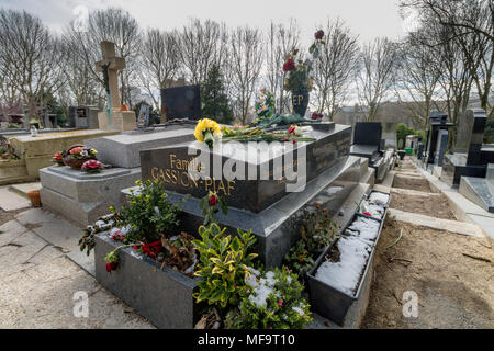 Grave of Édith Piaf in Père Lachaise cemetery, the largest and most visited cemetery  in Paris - Stock Photo