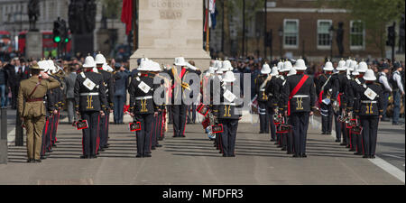 The Cenotaph, Whitehall, London, UK. 25 April, 2018. Anzac Day service is held at the Cenotaph at 11.00am in London with HRH Prince Harry attending. Credit: Malcolm Park/Alamy Live News. - Stock Photo