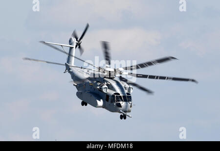 25 April 2018, Germany, Schoenefeld: The new American heavy-lift helicopter Sikorsky CH-53 King Stallion being presented for the firstime at an aerospace exhibition. 1100 exhibitors from 41 countries are presenting new innovations on airplanes. Around 200 aircrafts are being presented at the Aerospace exhibition (ILA). Organisers are expecting over 150,000 visitors to the event. The ILA is taking place from 25 April to the 29 April 2018. Photo: Ralf Hirschberger/dpa