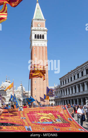 Venice, Veneto, Italy. 25th April 2018. Festivities in St Marks Square marking Liberation Day (Festa della Liberazione) commemorating the end of World War II and the Nazi occupation of Italy and Commemorating their fallen soldiers. For Venice it is also the Feast of St Mark (Festa di San Marco) the patron saint of the city marking the anniversary of his death in 68 A.D. Festivities are centred around Piazza San Marco and Basilica San Marco. Credit MCpics/Alamy Live News - Stock Photo