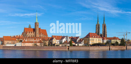 View at Tumski island and Cathedral of St John the Baptist with bridge through river Odra in Wroclaw, Poland - Stock Photo