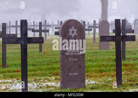 WW1 German Jewish Grave on a misty winters day. - Stock Photo