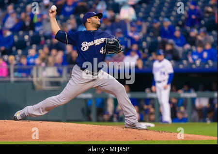 Kansas City, MO, USA. 25th Apr, 2018. Jhoulys Chacin #45 of the Milwaukee Brewers pitches against the Kansas City Royals during the game at Kauffman Stadium in Kansas City, MO. Kyle Rivas/Cal Sport Media/Alamy Live News - Stock Photo
