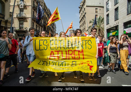 Barcelona, Spain. 26th Apr, 2018. A banner with the text 'students stop' seen during the demonstration. Thousands of Catalan university students have demonstrated in the streets of Barcelona against repression and to protest the high price of university fees Credit: SOPA Images Limited/Alamy Live News - Stock Photo