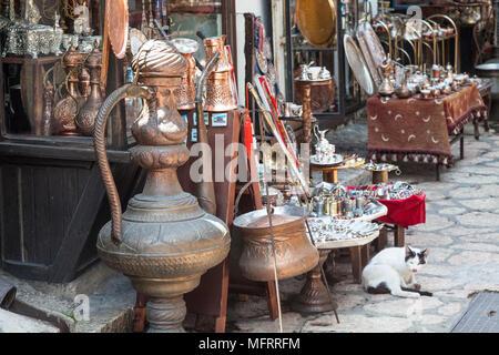 A tourist souvenir shop selling copper wares in Sarajevo, Bosnia and Herzegovina - Stock Photo