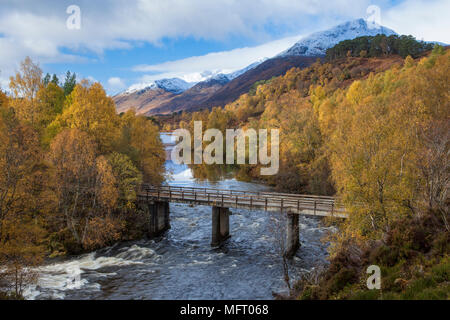 Looking towards Loch Affric from the Forestry Commission River Affric carpark in Glen Affric, Scotland, UK. - Stock Photo