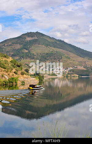 Covelinhas and Folgosa do Douro. Cruises on the river Douro, a Unesco World Heritage Site, Portugal - Stock Photo
