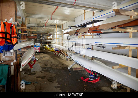 Leeds Rowing club at the Roundhay Boathouse in Roundhay Park, Leeds, Yorkshire. - Stock Photo