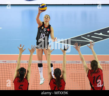 (180427) -- ISTANBUL, April 27, 2018(Xinhua) -- Eczacibasi player Jordan Larson(Top) competes during the fifth leg match of the 2017-2018 Turkish Women Volleyball League final series between Vakifbank and Eczacibasi in Istanbul, Turkey, on April 26, 2018. Vakifbank won the match 3-0 and claimed the champion with 3-2 in total.(Xinhua/He Canling) - Stock Photo