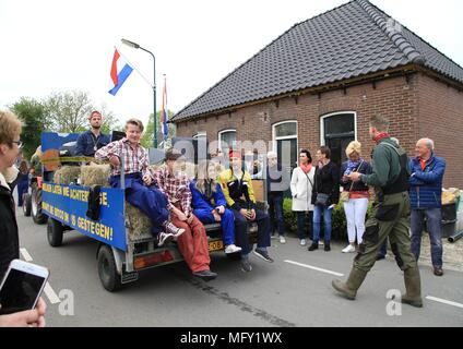 Tienhoven, Netherlands. 27th Apr, 2018. Kingsday Netherlands Tienhoven 27-04-2018 procession bitcoin hype Credit: Catchlight Visual Services/Alamy Live News - Stock Photo