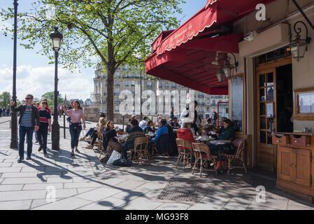 Cafe at the corner of Rue Jean du Bellay, Ile Saint Louis, Paris, France - Stock Photo