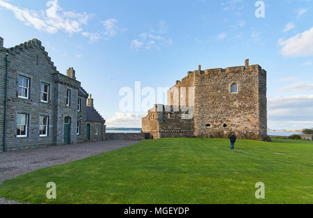 The Officers Quarters and North Tower of Blackness Castle, on the south side of the Forth on a summers Evening, near Edinburgh, Scotland. - Stock Photo
