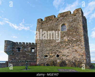 The north tower of Blackness fort, situated on the south side of the River Forth, close to Edinburgh and Linlithgow, on one warm Summers Evening, Scot - Stock Photo