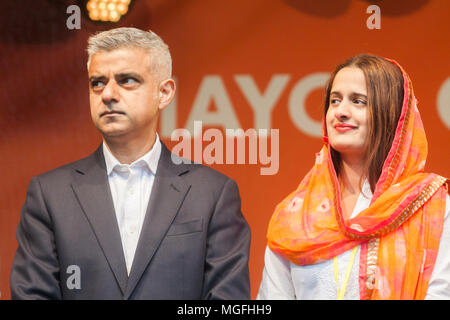 London UK. 28th Aril 2018. London Mayor Sadiq Khan attends Vaisakhi festival in Trafalgar Square which celebrates Sikh and Punjabi tradition, heritage and culture Credit: amer ghazzal/Alamy Live News - Stock Photo