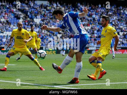 Barcelona, Spain. 28th Apr, 2018. RCD Espanyol's Gerard Moreno (2nd R) competes during a Spanish league match between RCD Espanyol and Las Palmas in Barcelona, Spain, on April 28, 2018. The match ended 1-1. Credit: Joan Gosa/Xinhua/Alamy Live News - Stock Photo