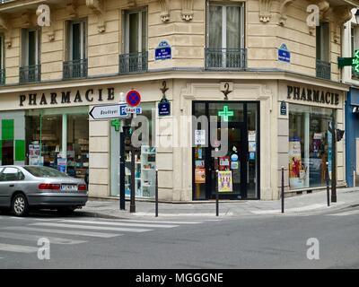 Corner pharmacy in the Marais, Paris, France. - Stock Photo