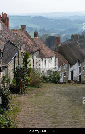 Traditional cottages on the gold hill in Shaftesbury north Dorset. Picturesque and scenic scenery in the heart of the county of Dorset on gold hill. - Stock Photo