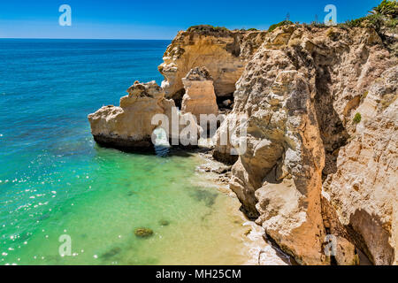 Portugal - Algarve - Klippen der Praia do Vale do Olival - Stock Photo