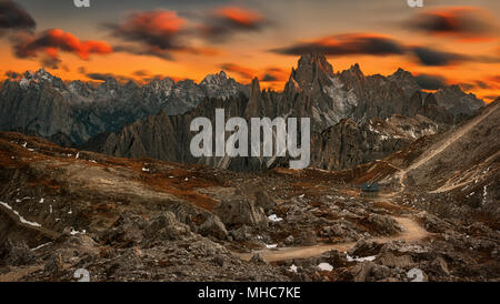 Rifugio Lavaredo hut with Dolomites mountains behind, Cadore, Veneto, Italy. - Stock Photo