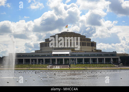 The famous UNESCO World Heritage site 'Centennial Hall' or 'Jahrhunderhalle' in Wroclaw, Poland. The architect was Max Berg, it was built in 1911–1913 - Stock Photo