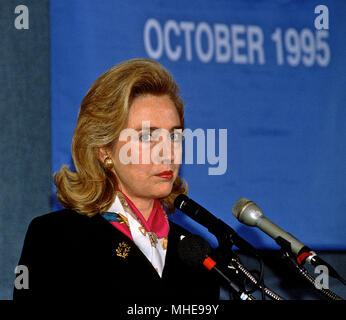 Washington, DC. USA, 27th September, 1995 Hillary Rodham Clinton at the National Press Club. Credit:Mark Reinstein /MediaPunch - Stock Photo