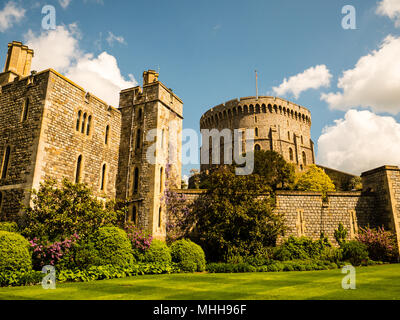 Henry III Tower, and Round Tower (The Keep), Windsor Castle, Windsor, Berkshire, England, UK, GB. - Stock Photo