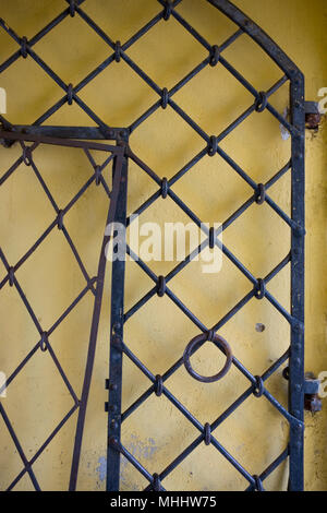 A rickety old iron gate by Patkuli Vaateplats, Rahukohtu, Toompea (Cathedral Hill), Tallinn, Estonia - Stock Photo